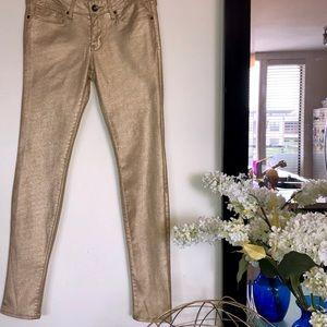 Bullhead Black GOLD Skinniest Jeans 👖